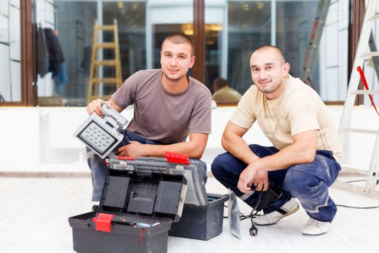 Stabilná práca pre elektrikárov, vodárov, plynárov, kúrenárov a inštalatérov v Nemecku, Rakúsku a Holandsku